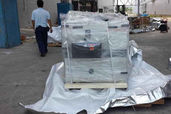 防潮包装应用案例:镀铝复合膜半导体设备包装