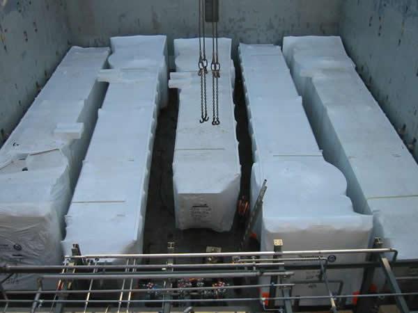 防水防尘包装案例:热收缩膜登机桥包装